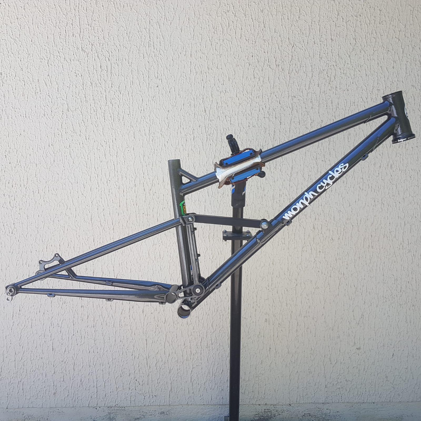 Baudou_bikes_tout_suspendu_cote_fini