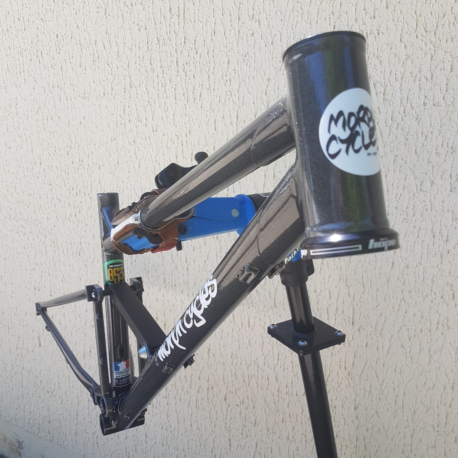 Baudou_bikes_tout_suspendu_douille_fini