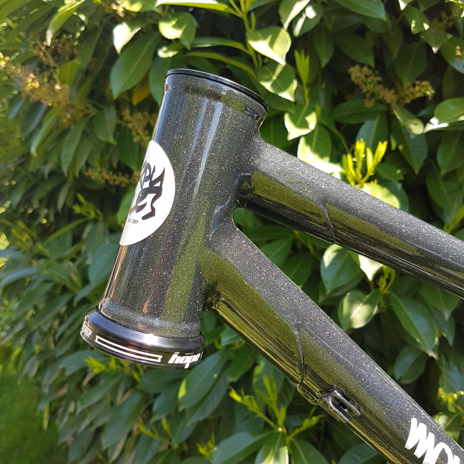Baudou_bikes_tout_suspendu_douille_fini2