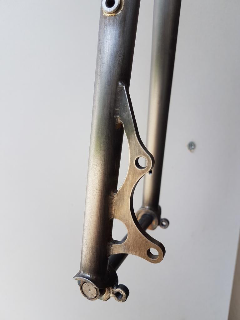 Fourche_700_axe_traversant_BAUDOU_Bikes_4
