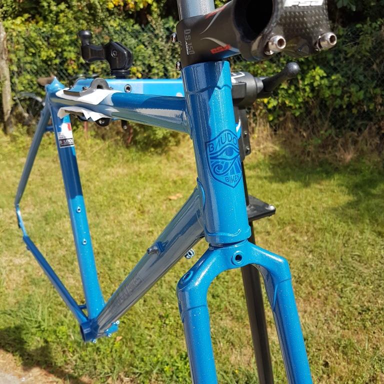 Randonneuse_650b_Baudou_bikes_painted_1