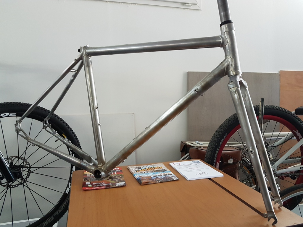 Randonneuse_650b_Baudou_bikes_unpainted_1
