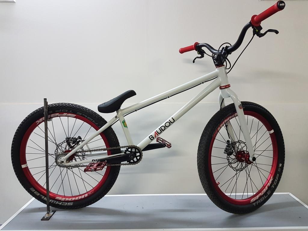 Street_trial_BAUDOU_Bikes_coté1