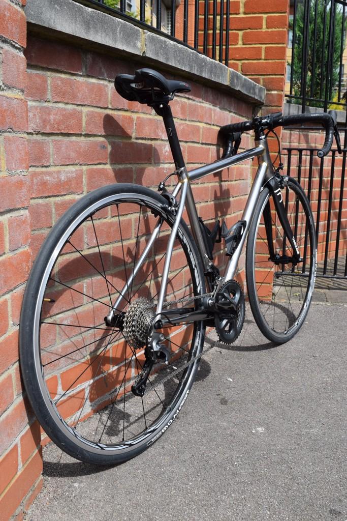 Vélo de course BAUDOU Bikes iso arriere